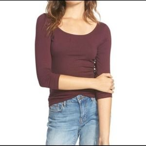🌟3 FOR $35🌟Frenchi scoop neck burgundy tee
